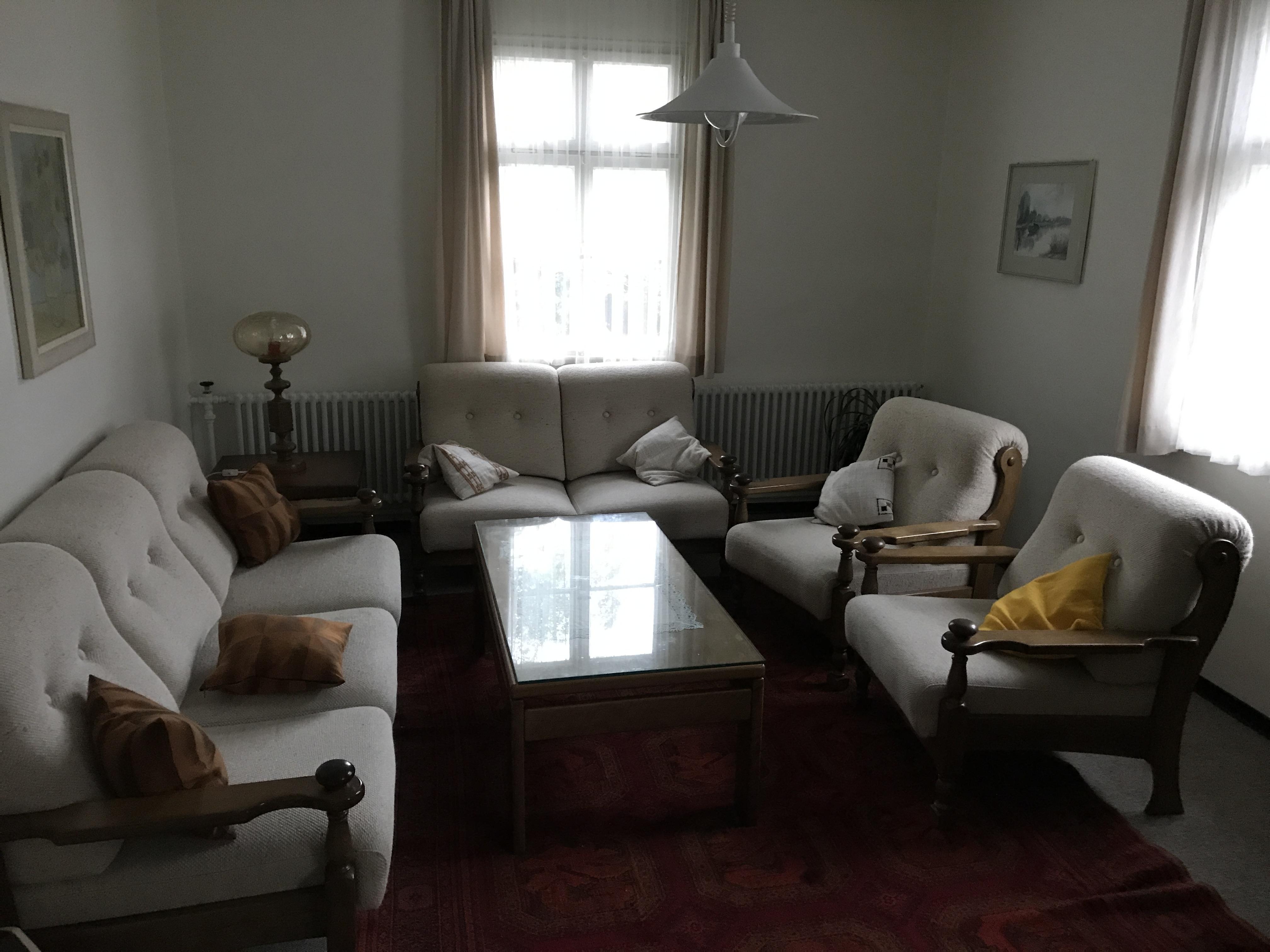 Gemütliches Gemeinschaftswohnzimmer in den Schlafräumen.